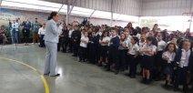 Ministra de Educación Guiselle Cruz y estudiantes